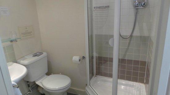 The Royal Foundation of St Katharine: Bathroom