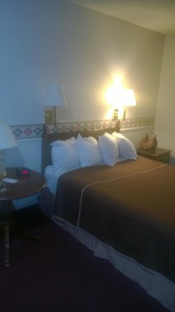 North Temple Inn : Bed