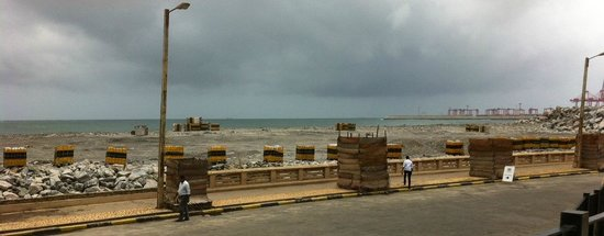 The Kingsbury: beach and indian ocean view - well construction site anyway.
