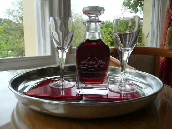 The Meadfoot Bay : The welcome sherry in the room