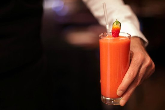 Hiba Express : Fresh fruit juices and smoothies every day!