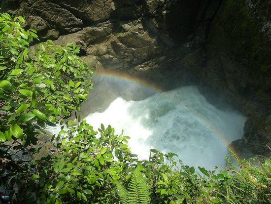 Ruta de las cascadas: Arco iris en Paillón