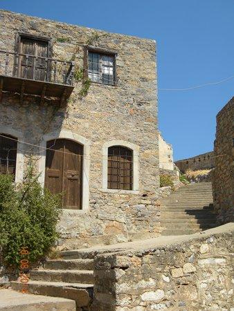 Spinalonga (Kalidon): Постройки на острове
