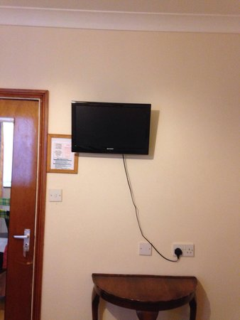 Tarvic 2 Hotel: View of flat screen TV in room
