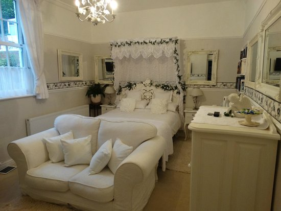 The Old Rectory at Broseley: Bedroom