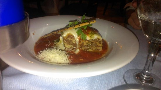Valentin Imperial Maya: Delicious Lasagna at L'Olivo (Italian)