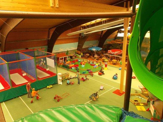 Indoorspielplatz Heidewitzka: View from the top of the big slide