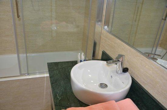 Playacapricho Hotel: baños