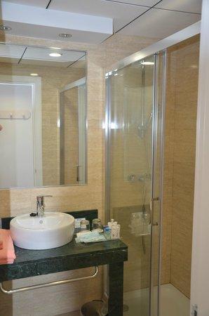Playacapricho Hotel: baños reformados
