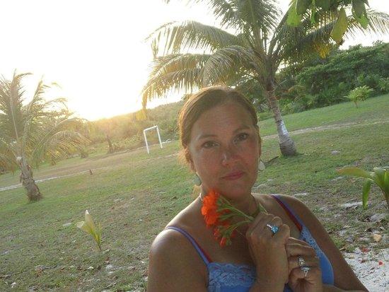Tranquility Bay Resort : My wife at senset