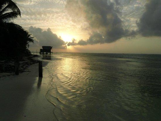 Tranquility Bay Resort: Sunrise