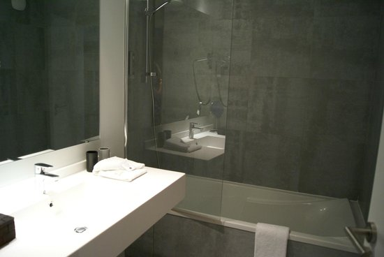 Best Western Plus Hotel & Spa de Chassieu : Bathroom