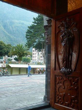 Church of the Virgin of the Holy Water (Nuestra Señora del Agua Santa) : Ingreso