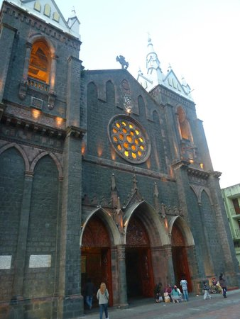 Church of the Virgin of the Holy Water (Nuestra Señora del Agua Santa): Frente