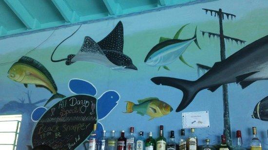 Tranquility Bay Resort: Art work in Bar