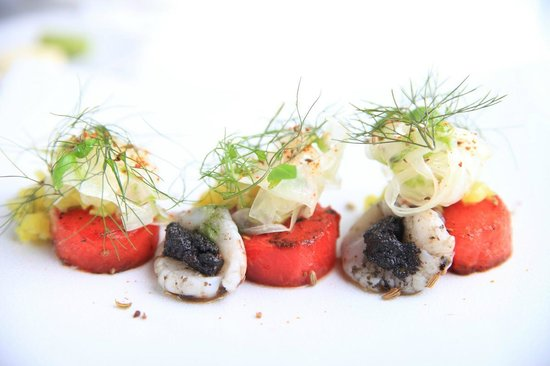 Restaurant Bieberbau : Grilled watermelon with smoked mozzarella and olive paste