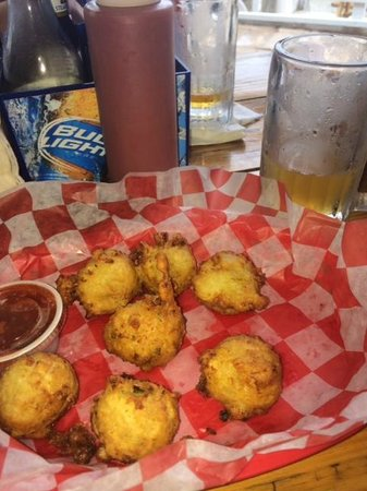 Shipwreck's Bar and Grill: Awesome Conch Fritters