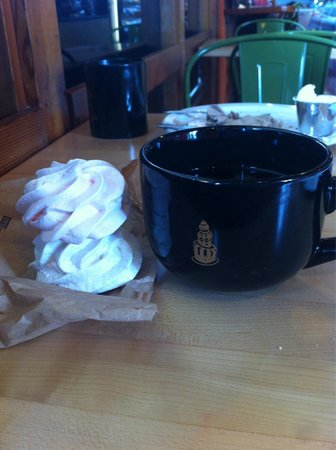 Sweet Life Patisserie: Tasty meringues - overall, excellent section of gluten-free items!