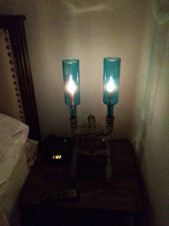 Oceanside Beachfront RV Resort: retro lamp