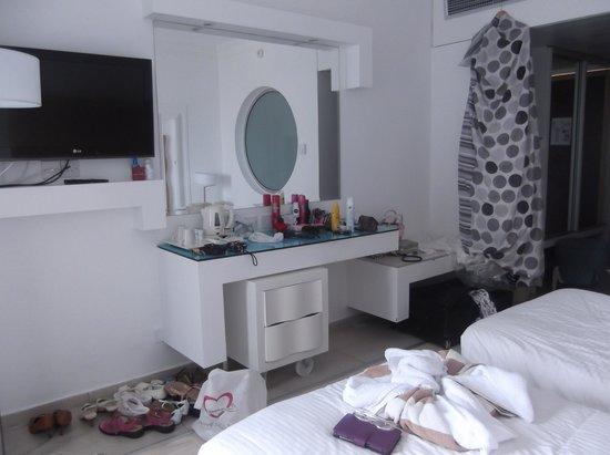 Leonardo Plaza Cypria Maris Beach Hotel & Spa: Room 471