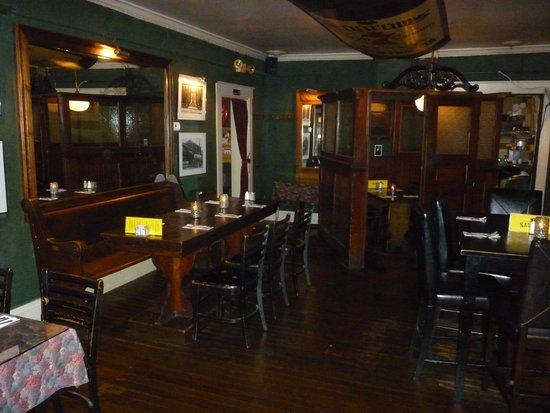 Whiskys Family Restaurant Bar Area Dining Room