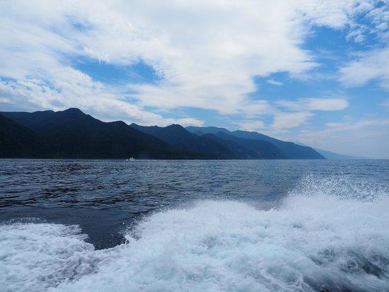 Gojiraiwa Kanko - Day Tours (West Shiretoko): この蒼さは感動です。