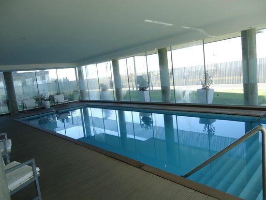 Real Colonia Hotel & Suites : Pileta climatizada