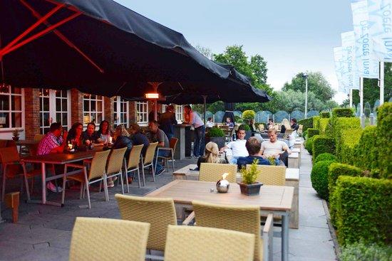De Zoete Inval Hotel Haarlemmerliede: Terras