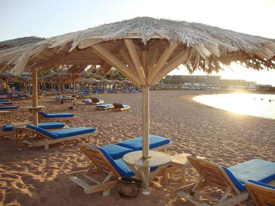 Hilton Hurghada Plaza: beach
