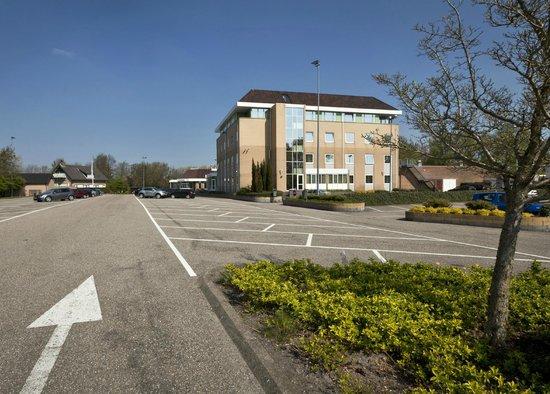 Haarlemmerliede, Holandia: Parkeerterrein