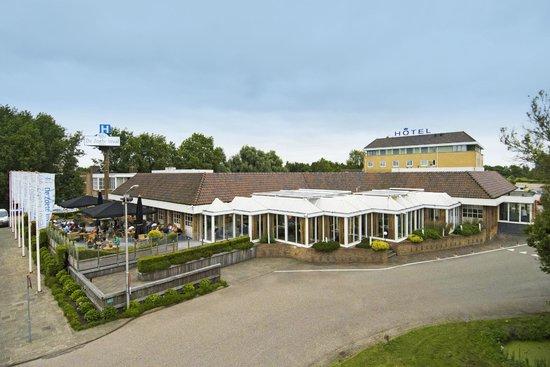 Haarlemmerliede, Nederland: Vooraanzicht hotel
