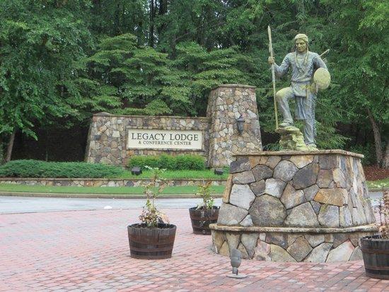 Legacy Lodge: Main entrance to Lodge