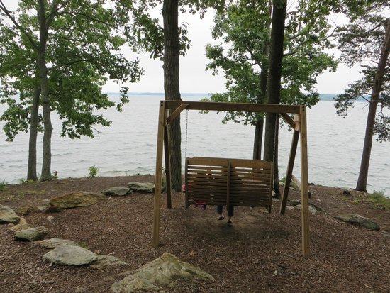 a nice spot by the lake picture of legacy lodge buford tripadvisor rh tripadvisor ie