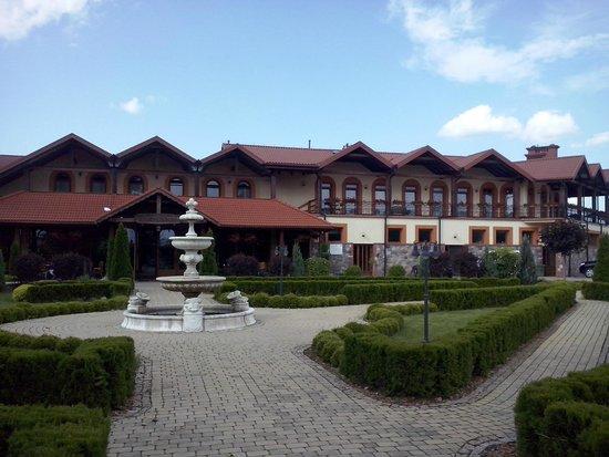 Hotel Ros: Wejście od strony restauracji