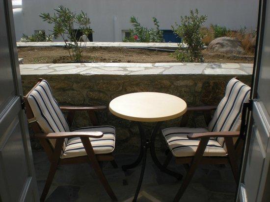 Mykonos Grand Hotel & Resort: Balcony