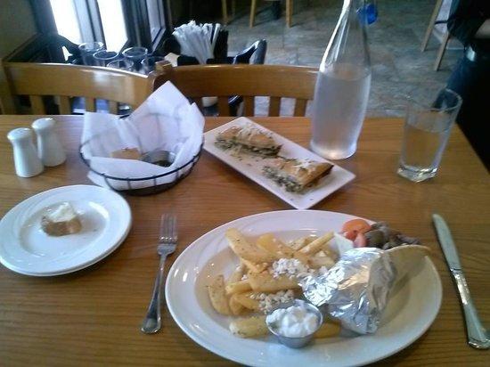 Remezo Greek Cuisine : The lunch