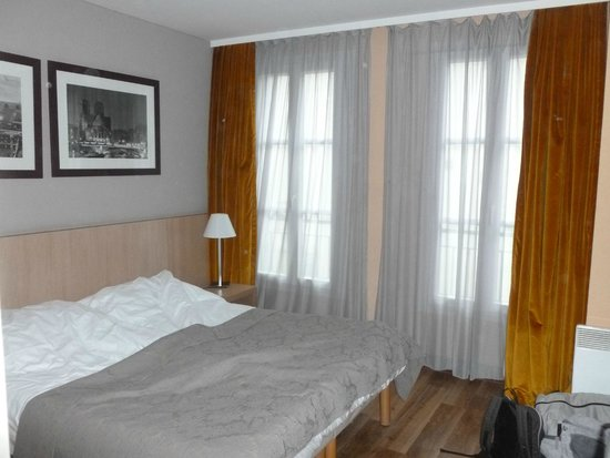 Adagio Paris Montmartre : chambre parents