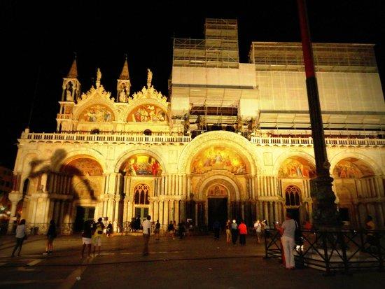 Basilique Saint-Marc : Basilica and its restoration work