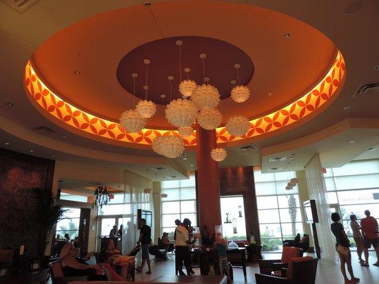 Hilton Garden Inn Virginia Beach Oceanfront: Hotel Lobby