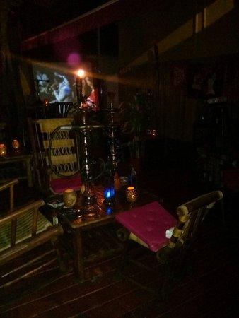 Island Cigar Factory: Hookah lounge