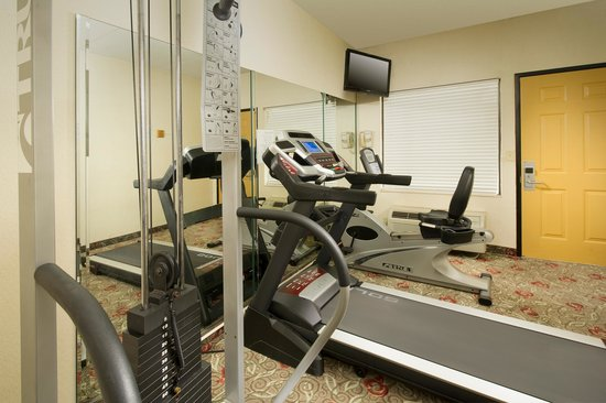 Country Inn & Suites By Carlson, Clinton I-75: Fitness