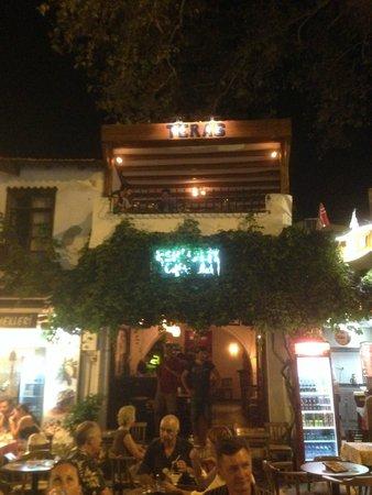 Hotel Club Phellos: Teras Bar
