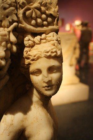 Antalya Muzesi : Detail on sarcophagus
