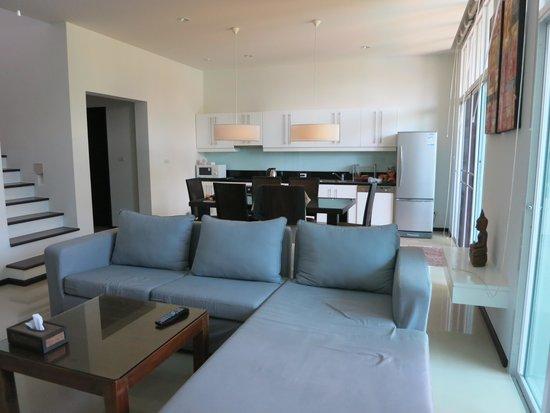 Two Villas Holiday Oriental Style Naiharn Beach: Two Villas Oxigen Style Nai Harn Beach (Dinin room & Kitchen)