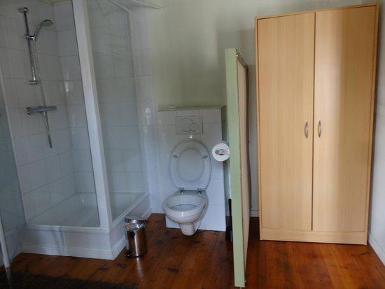 Anna's : Bathroom