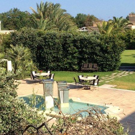 Romano Palace Luxury Hotel: номер с видом на сад