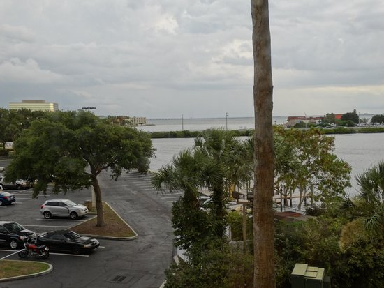DoubleTree Suites by Hilton Tampa Bay: we were on the parking lot side, high floor
