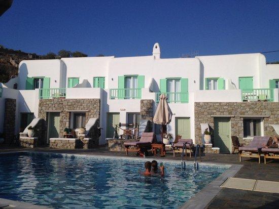Bellissimo Resort: No problem getting a sunbed!