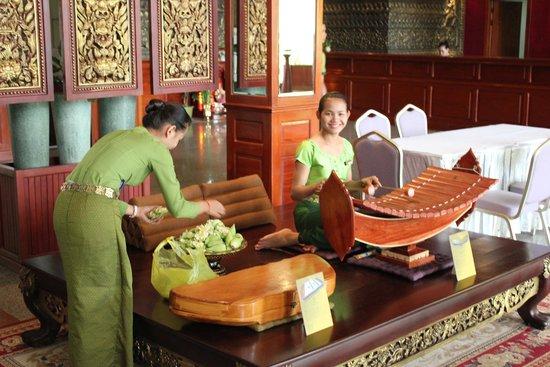 Borei Angkor Resort & Spa: Холл