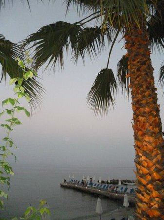 Aeolos Beach Resort: la plage le soir